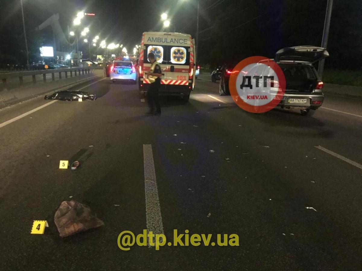 Жінка загинула миттєво / фото: dtp.kiev.ua