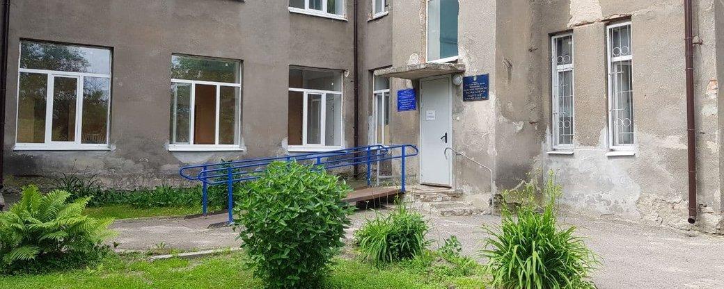 Чотирьох пацієнтів, отруєних після відвідування ресторанів у Харкові, доправили до районного медзакладу через нестачу місць / фото suspilne.media