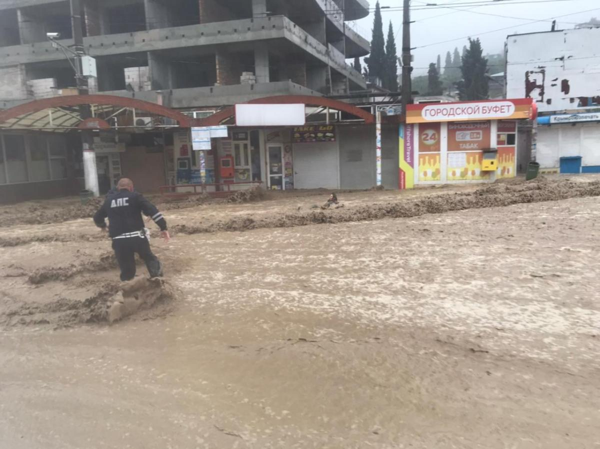 У Ялті через потоп загинув хлопець / Facebook / Яніна Павленко