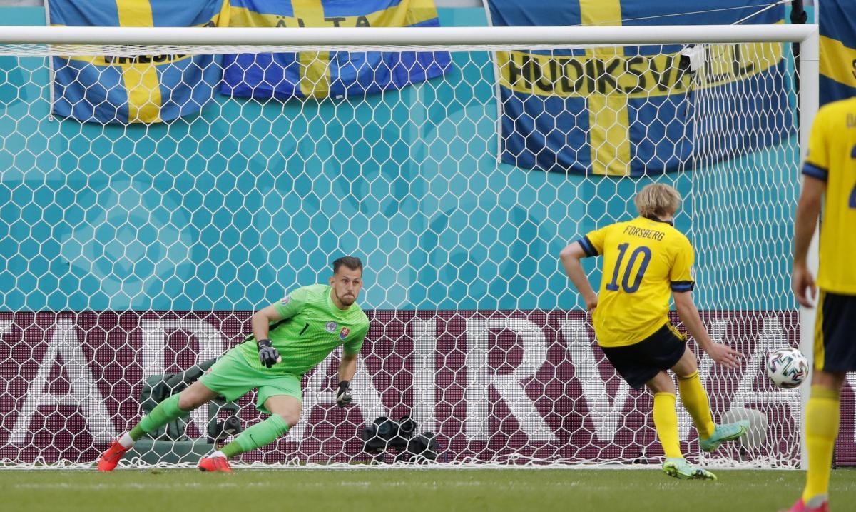 Победный гол сборной Швеции / фото REUTERS