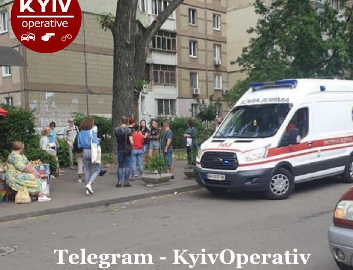 Инцидент произошел на улице Пушиной, 8 / фото facebook.com/KyivOperativ