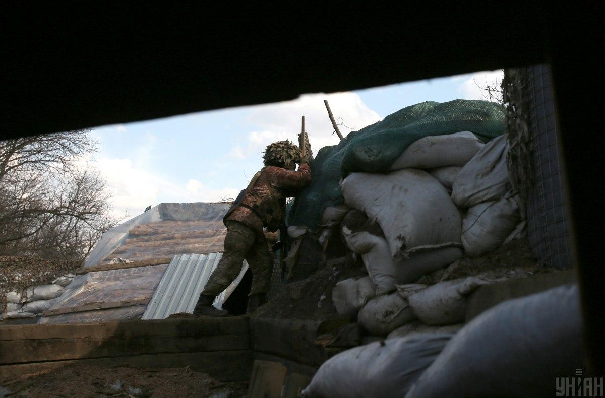 На обстрелы противника украинские защитники открывали ответный огонь / фото УНИАН, Анатолий Степанов