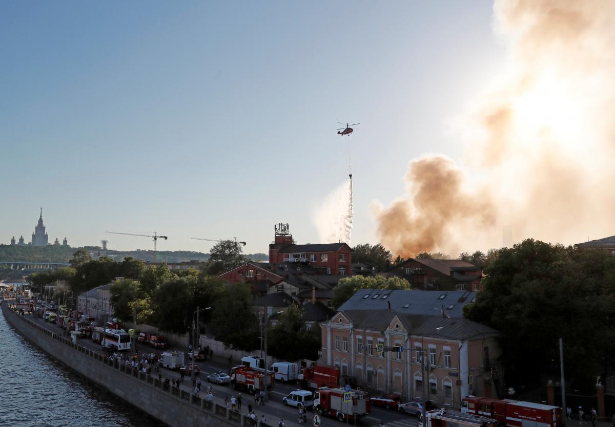 У центрі Москви загорівся склад піротехніки / фото REUTERS