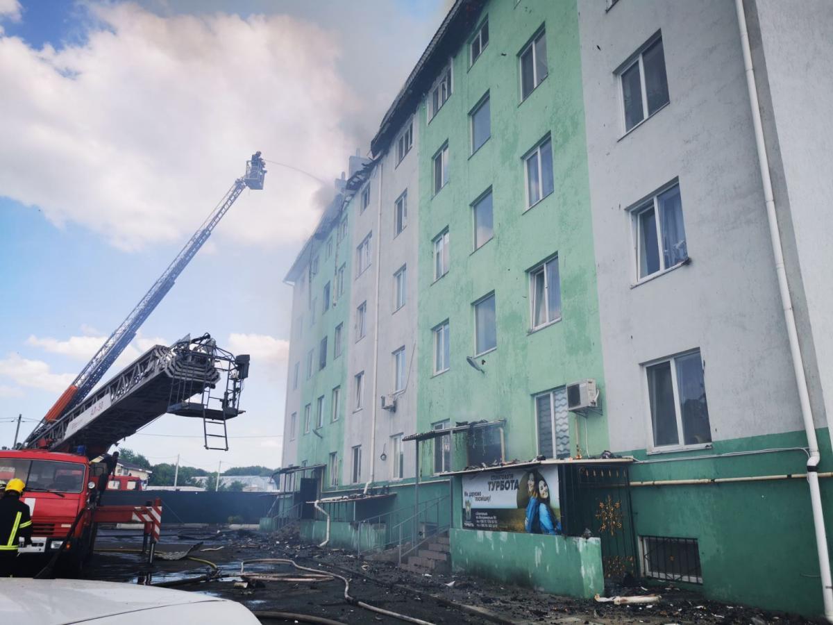 Пожар в Белогородке произошел, потому что подозреваемый поджег труп и квартиру с помощью бензина / фото kv.dsns.gov.ua