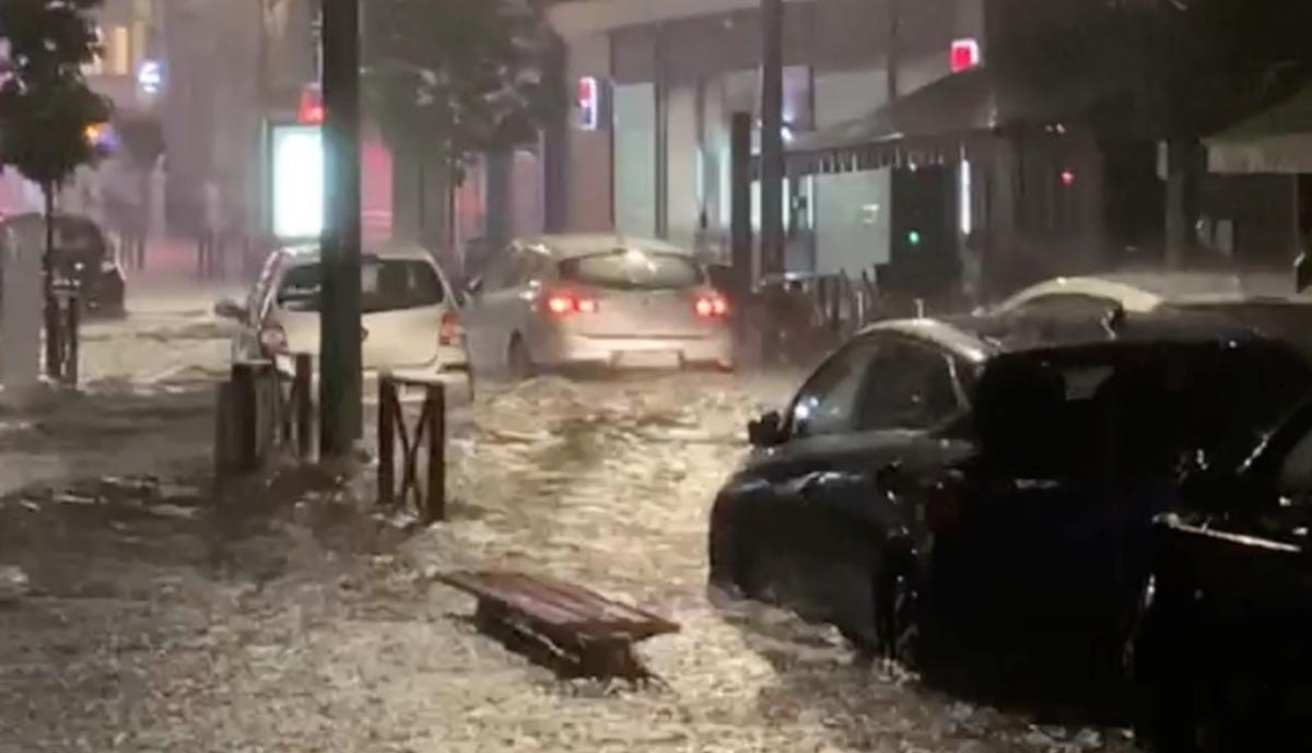 Деякі регіони Франції затопило / фото REUTERS