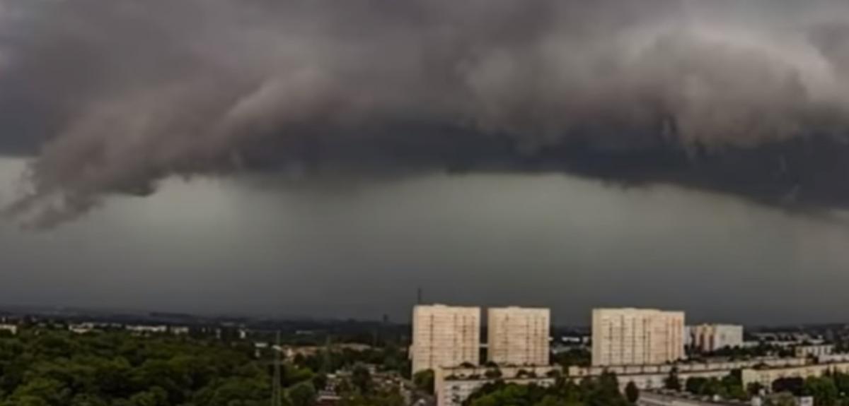 По Польше пронесся ураган / скриншот видео