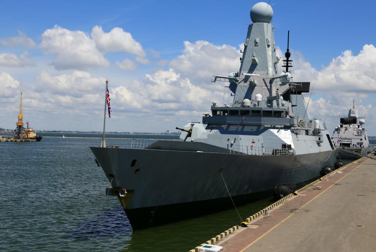 Росія намагалась перешкодити курсу британського есмінця / Фото: REUTERS