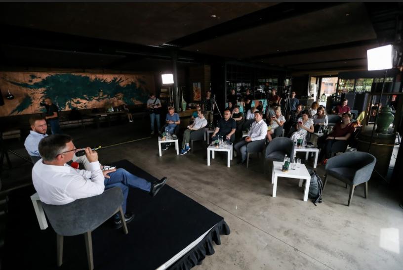 """""""Метінвест"""" провів для журналістів неформальну зустріч з гендиректором компанії /фото УНІАН"""