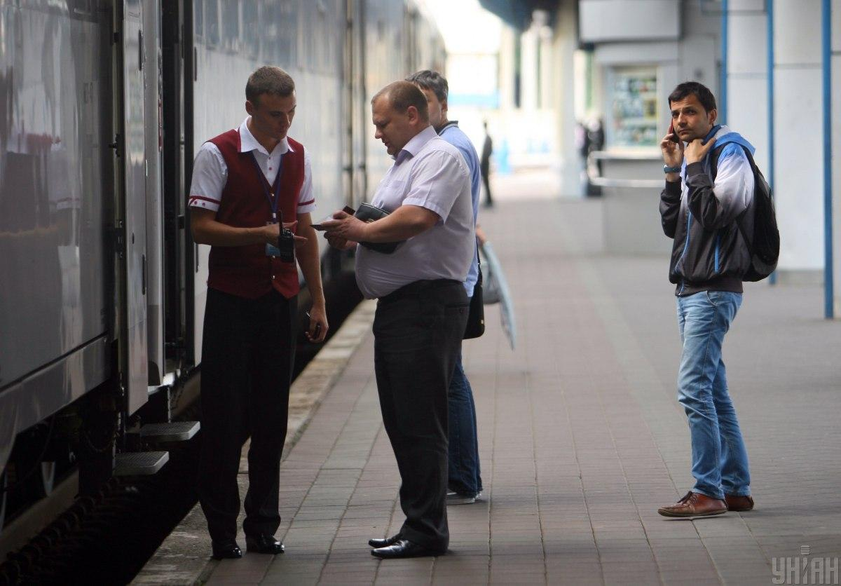 Пассажирам предложили бесплатно поехать в кабине машиниста другого поезда / Фото УНИАН, Сергей Ревера