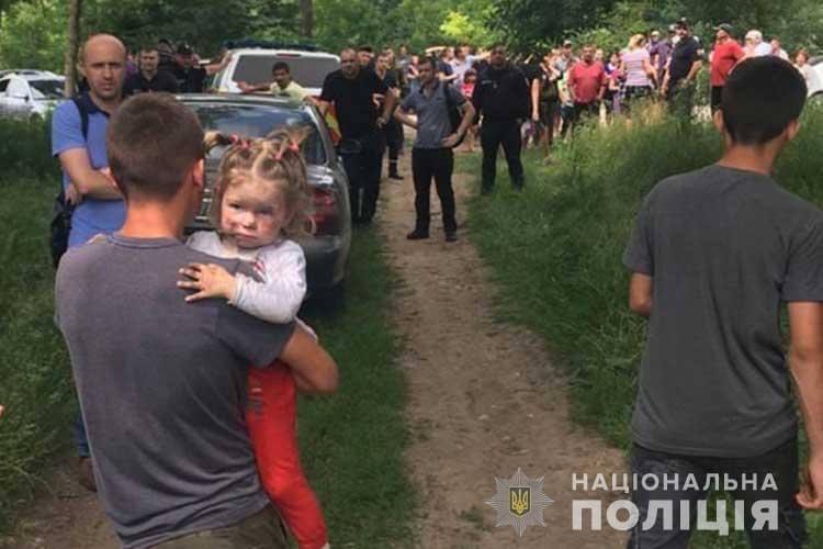 Поиски девочки продолжались всю ночь / фото МВД Украины