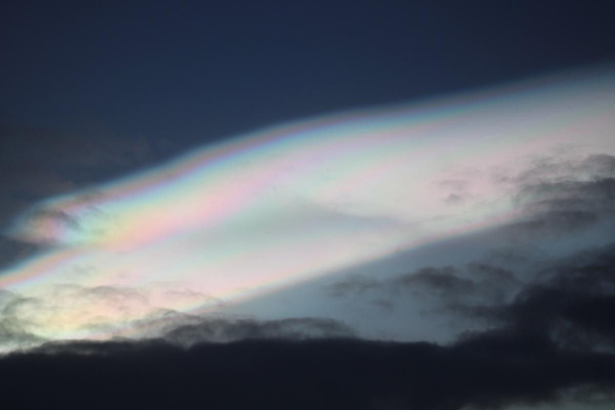 Перламутровые облака состоят из кристалликов льда / фото Ярослав Дозоров, НАНЦ