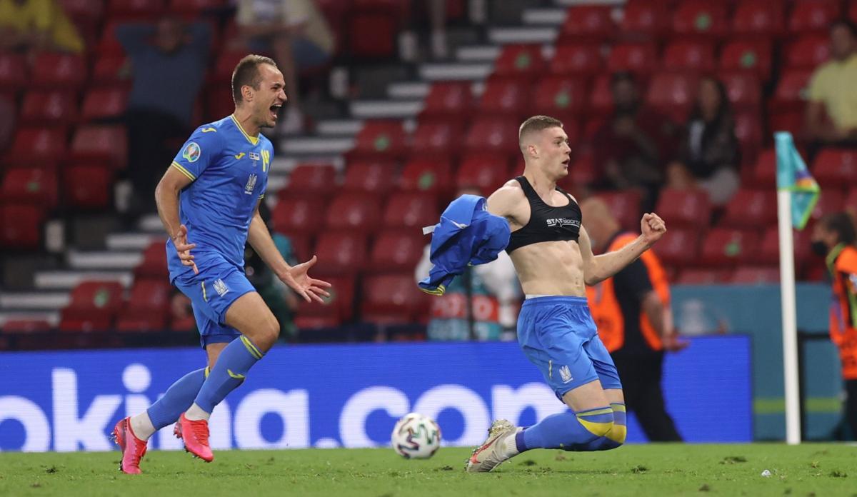 Артем Довбик забил победный гол / фото REUTERS