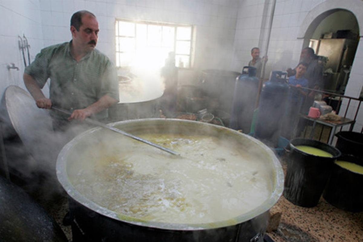 Исса Исмаил получил 70% ожогов тела и умер / фото REUTERS