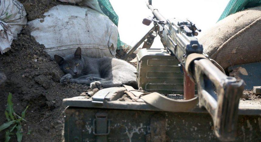 Російські окупанти поранили двох українських військових на Донбасі