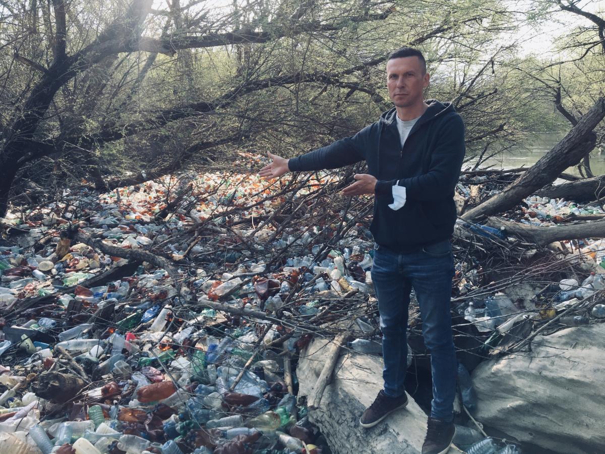 На думку Віктора Бучинського, аби люди захотіли сортувати сміття, вони мають бути не лише свідомими, а й заохоченими / фото Віктора Бучинського