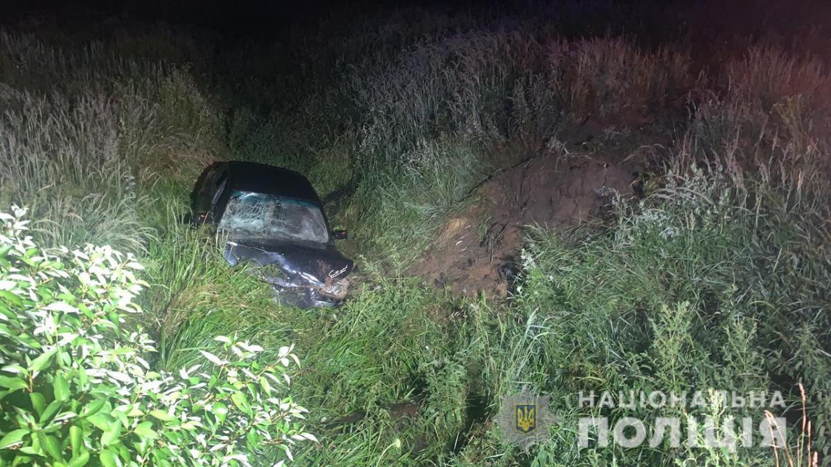 Ребенок не справился с управлением авто, съехал в кювет и погиб / фото ГУ НП во Львовской области