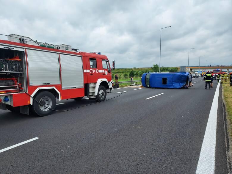 Около польского города Тарнув произошло серьезное ДТП / фото d-pt.ppstatic.pl