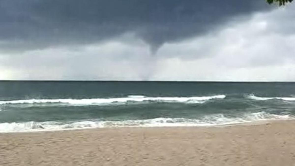 В Черном море бушевал торнадо / скриншот видео