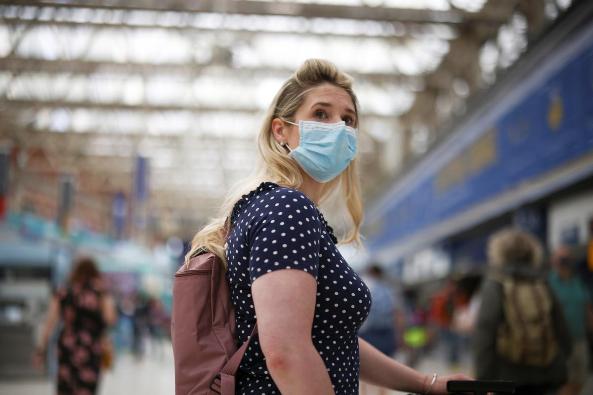 В Украине постепенно увеличивается количество новых больных коронавирус \ фото REUTERS