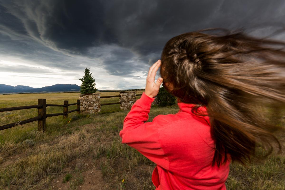 Сегодня в Украине ожидается сильный ветер / фото ua.depositphotos.com