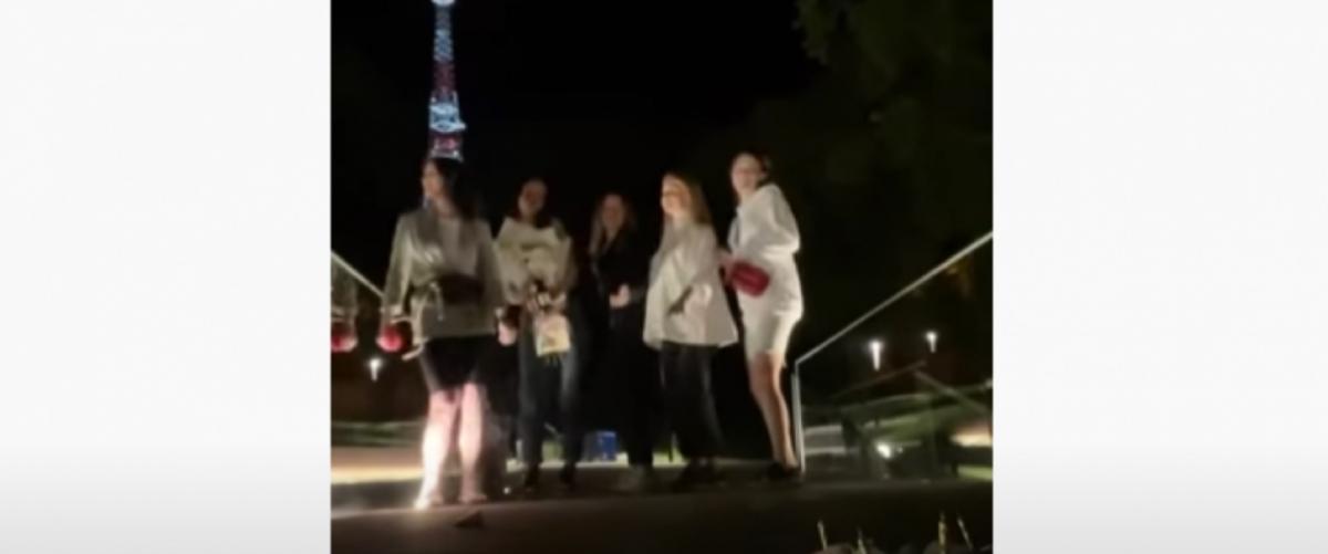 У мережі спалахнув скандал з приводу танців на меморіалі героям Небесної Сотні у Львові / Скріншот