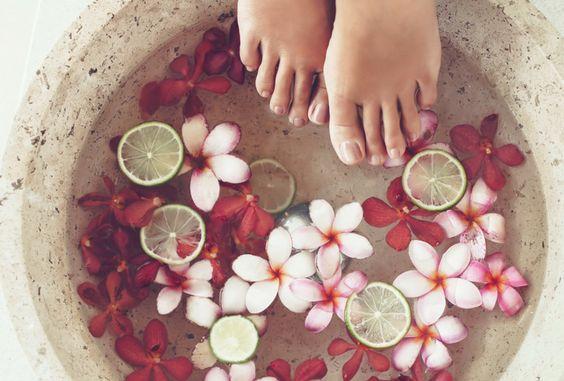 Полезные ванночки для ног / pinterest.ru