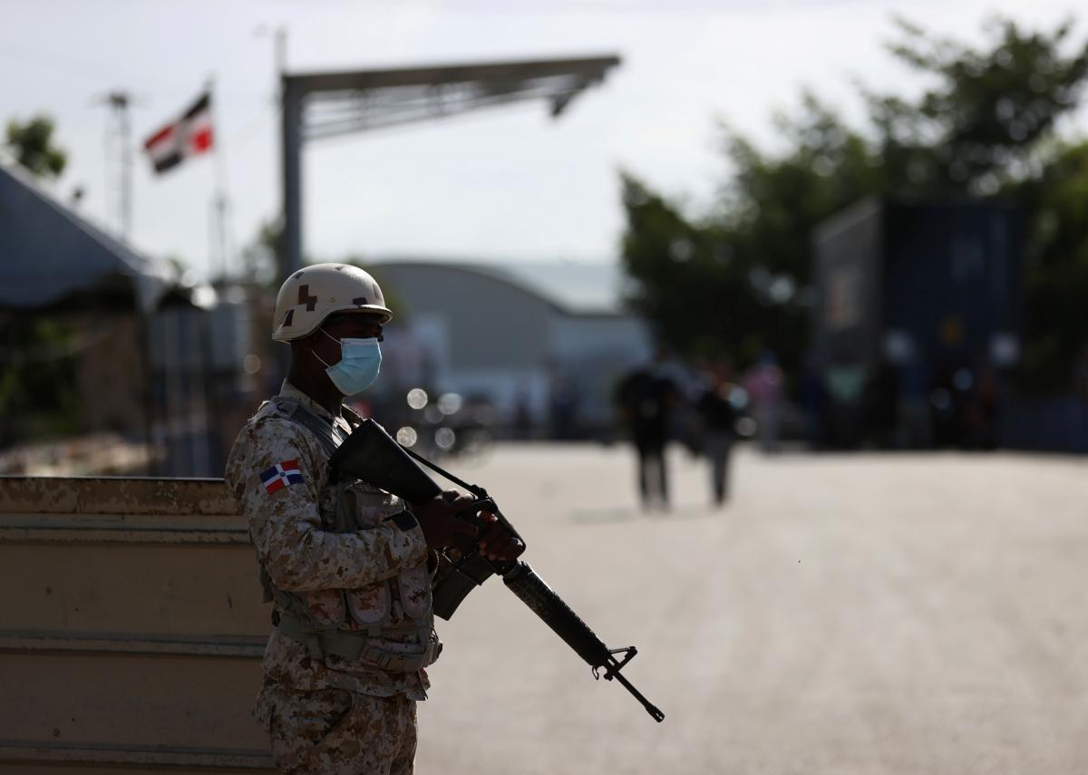 Доминиканская Республика закрывает границу с Гаити и усиливает меры безопасности \ фото REUTERS