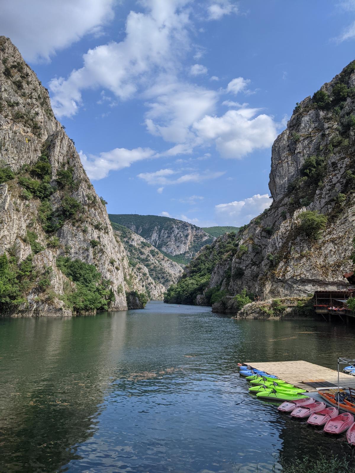 Каньйон Матка - найпопулярніше туристичне місце в Скоп'є / фото Ольга Робейко, УНІАН