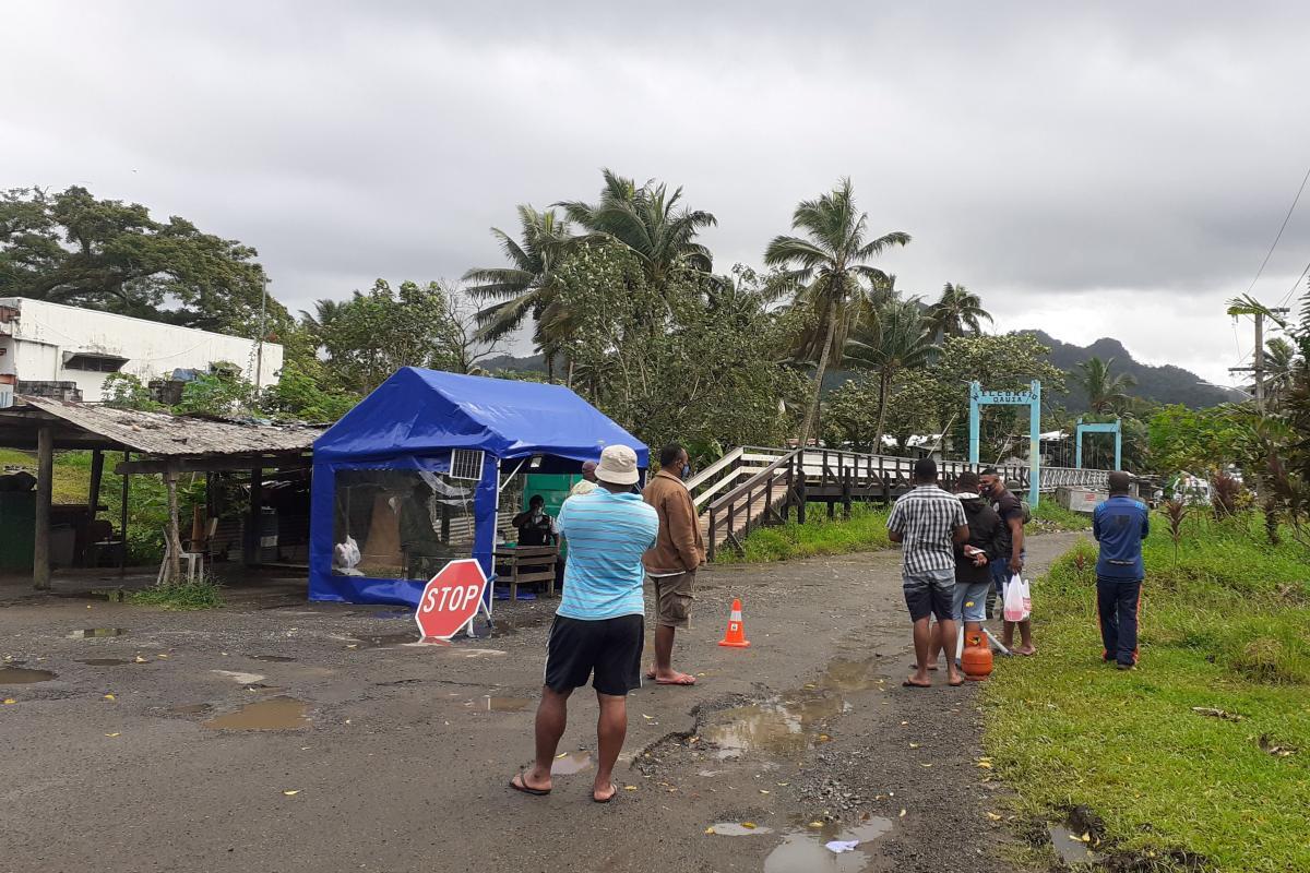 На Фиджи невакцинированных сотрудников хотят увольнять с работы / фото REUTERS