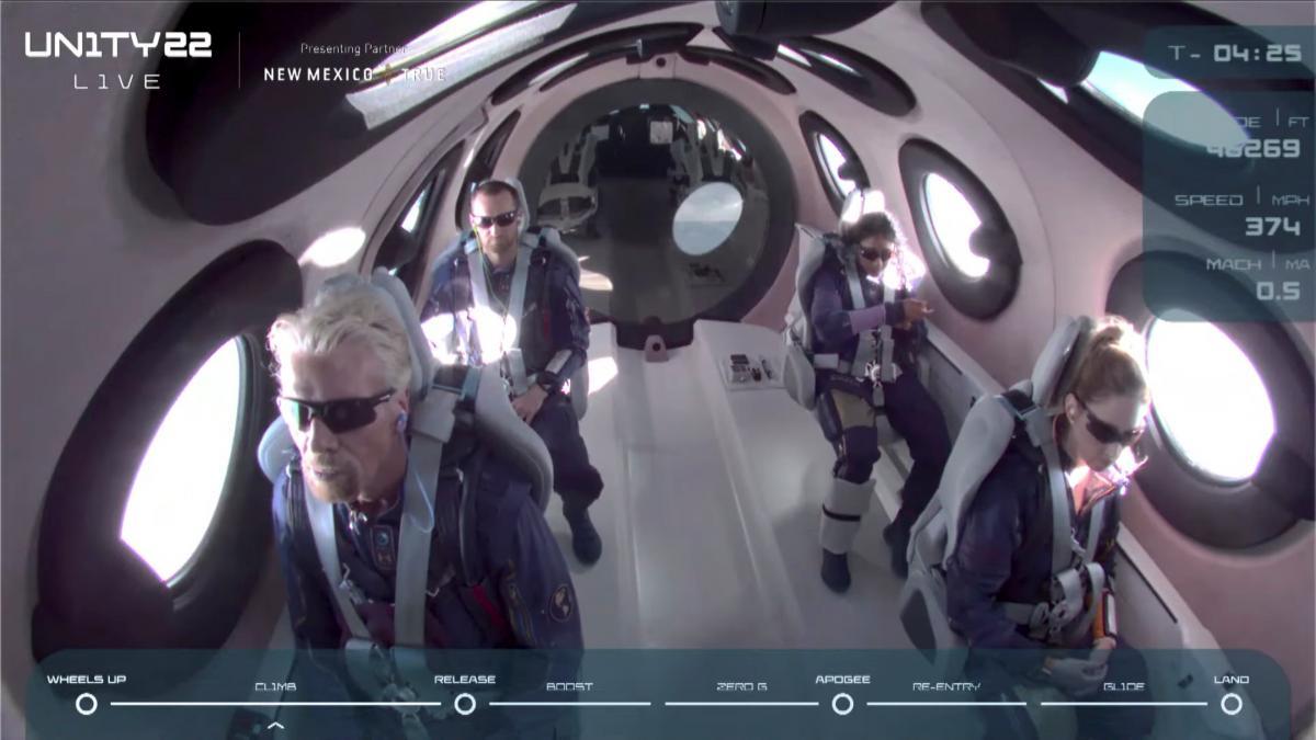 11 липня мільярдер Річард Бренсон здійснив «туристичний» суборбітальний політ /фото REUTERS