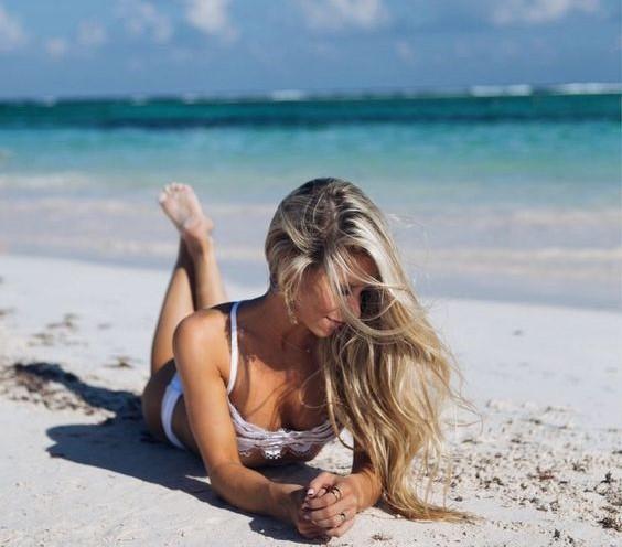 Как ухаживать за волосами во время отпуска / pinterest.ru