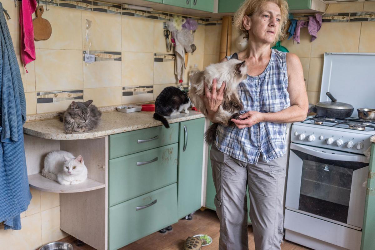 Старым животным постоянно нужны лекарства, всех питомцев Татьяна вакцинирует и обрабатывает от вредителей и болезней / фото - facebook.com/AnimalShelterKiev