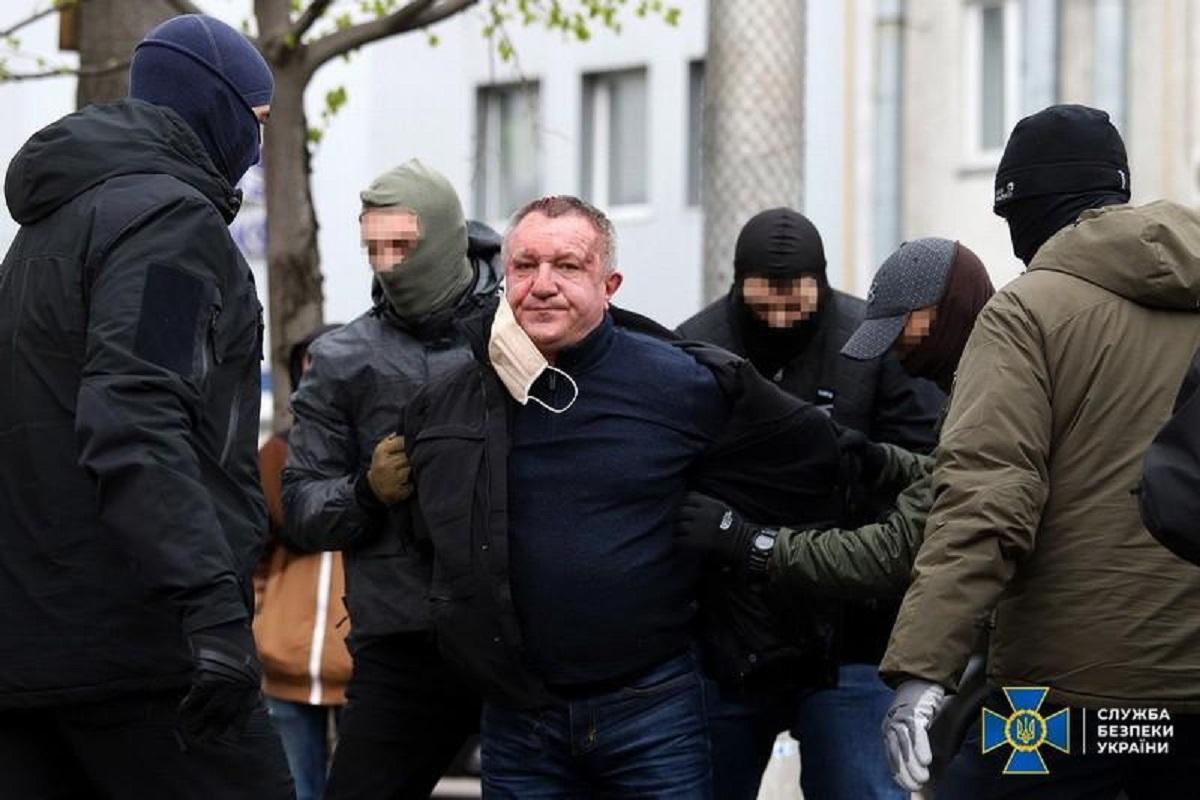 По данным правоохранителей, мужчина готовил покушение на Осмаева / ssu.gov.ua