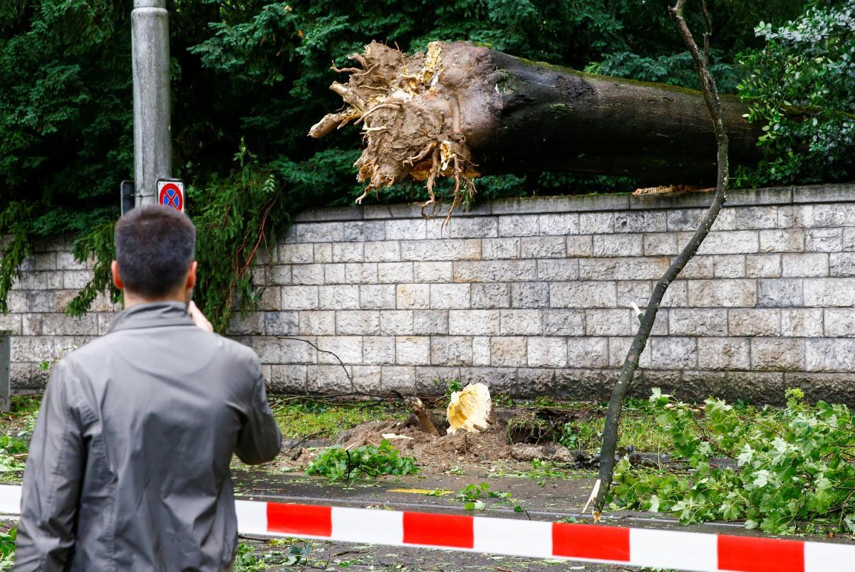 На Цюрих обрушилась непогода \ фото REUTERS