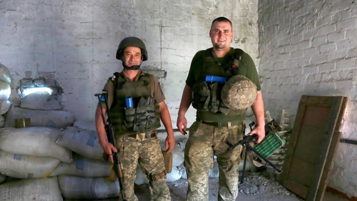 """""""Физрук"""" вместе со своим учеником """"Жигулем"""" / фото Оперативно-тактическая группировка """"Восток"""""""