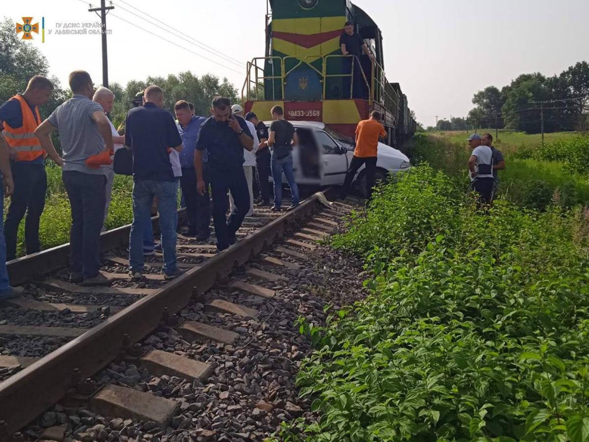 В аварии погибла женщина-водитель / фото ГСЧС Львовской области
