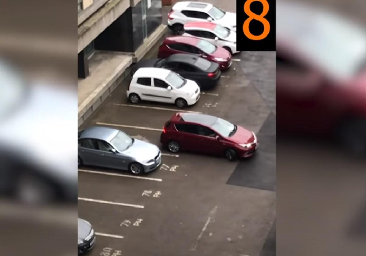 Владелец Toyota Auris может стать худшим парковщиком Британии / Скриншот