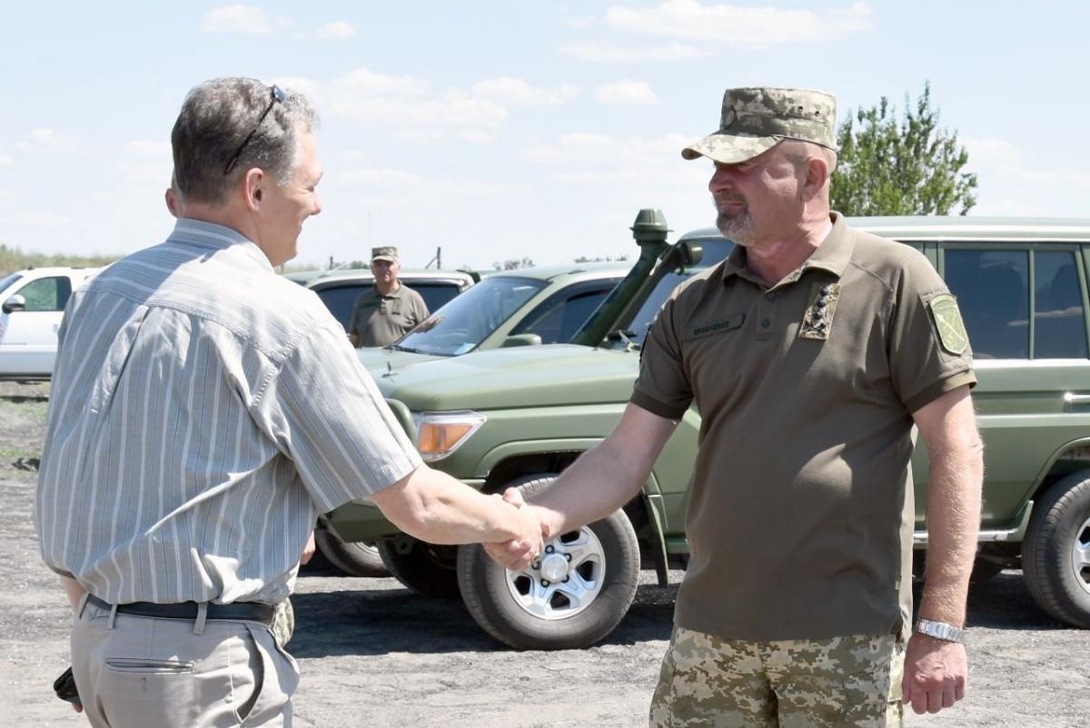 Встреча Кента с Кравченко на Донбассе/ фото ООС