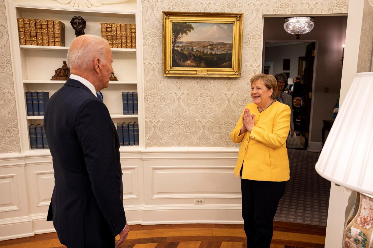 """У липні Байден обговорював з Меркель ризики запуску """"Північного потоку-2"""" / Фото: REUTERS"""