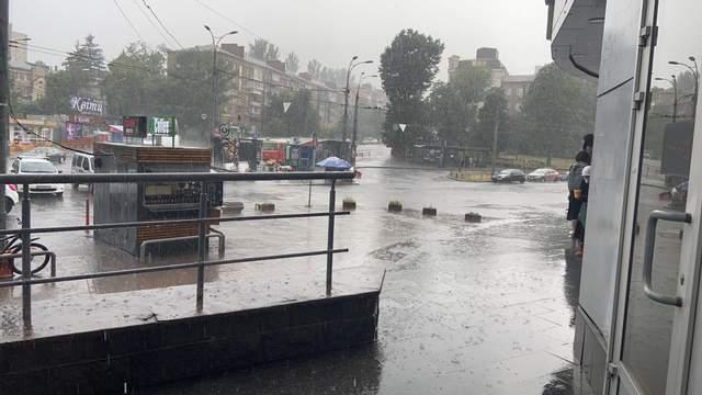 В Киеве прошел ливень с грозой / Фото 24 канал