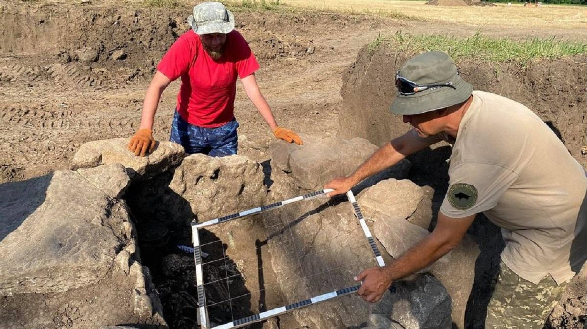 Свои находки археологи отправят на исследование антропологам / фото suspilne.media