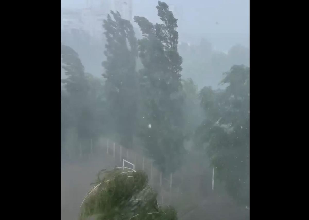 У Харкові вирував ураган / скріншот