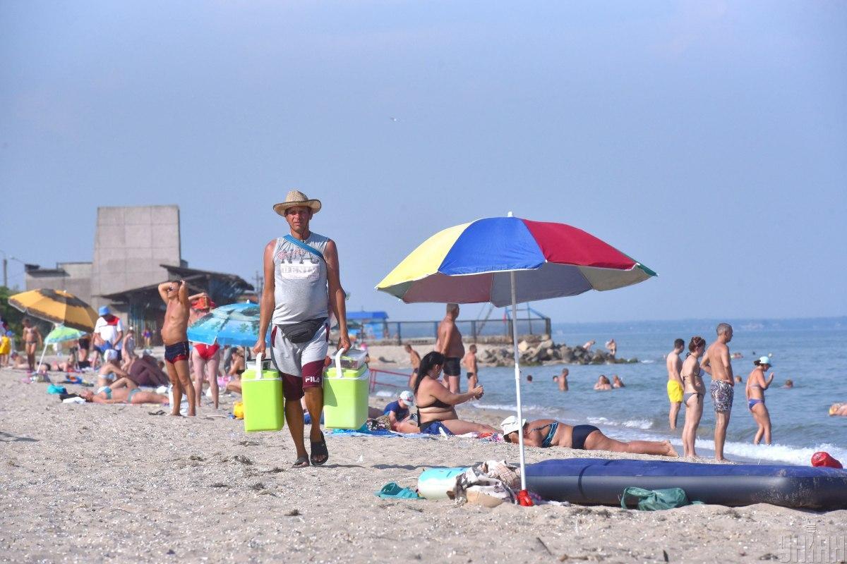В Одессе на некоторых пляжах советуют не купаться / фото УНИАН