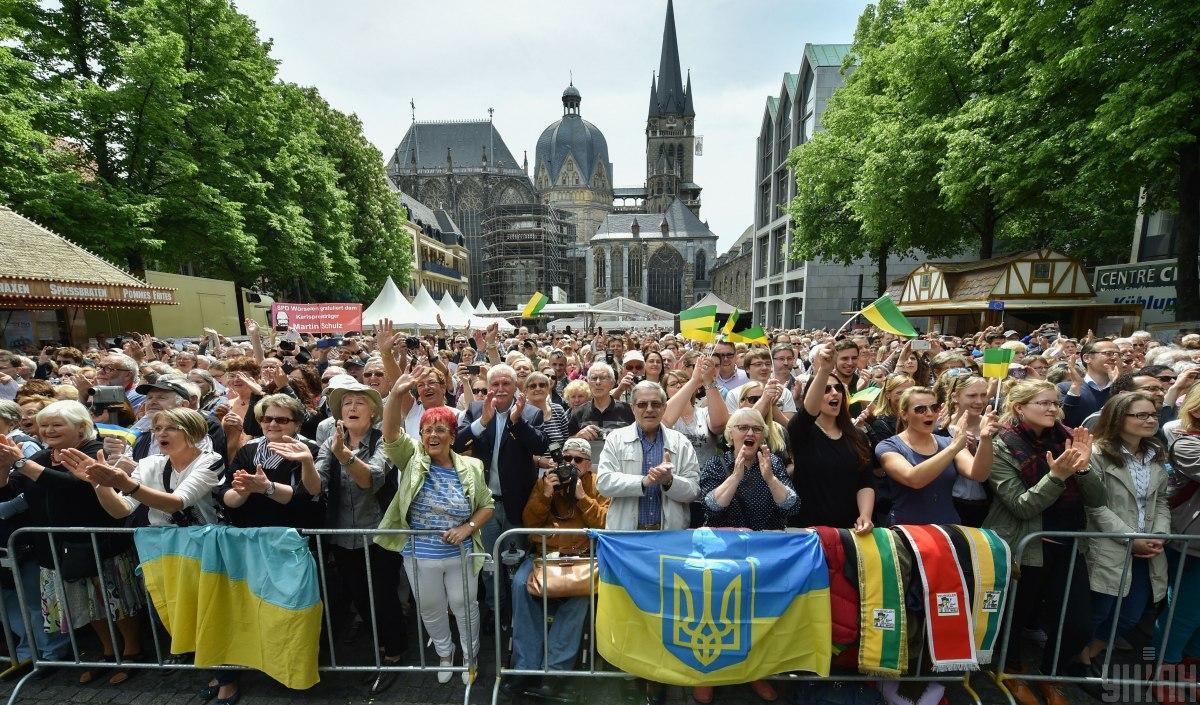 Головною причиною еміграції українців є нерівність між країнами / фото УНІАН, Микола Лазаренко