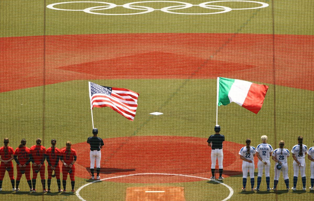 Матч з софтболу Італія - США на Олімпіаді / фото REUTERS