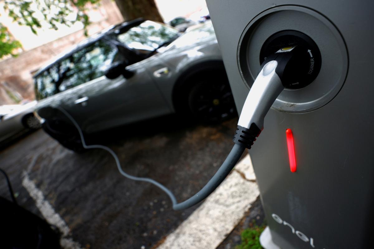 Сентябрьский спрос на новые электромобили вырос в 2,5 раза / фото REUTERS