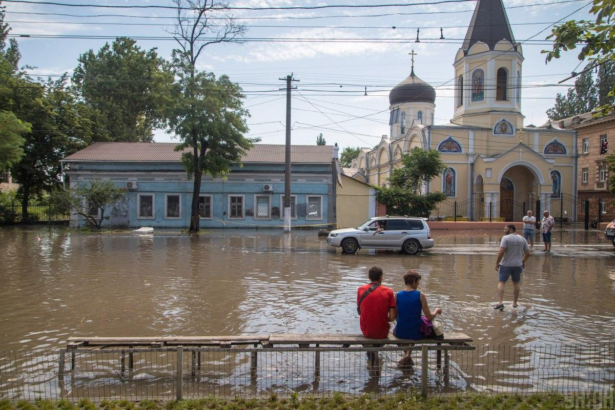 The consequences of bad weather in Odessa / photo from UNIAN, Alexander Gimanov