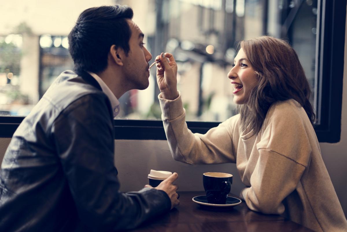 Узнать о том, что он думает о женитьбе можно в разговоре \ фото: ua.depositphotos.com
