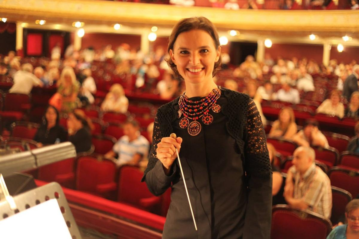 Оксана Линів входить до трійки найкращих диригенток сучасності / фото facebook.com/vovasmatus