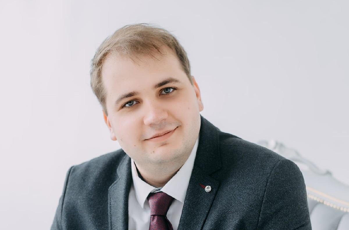 ЦИК зарегистрировала народным депутатом Антона Швачко/ фото facebook.com/Anton.Shvachko.1992